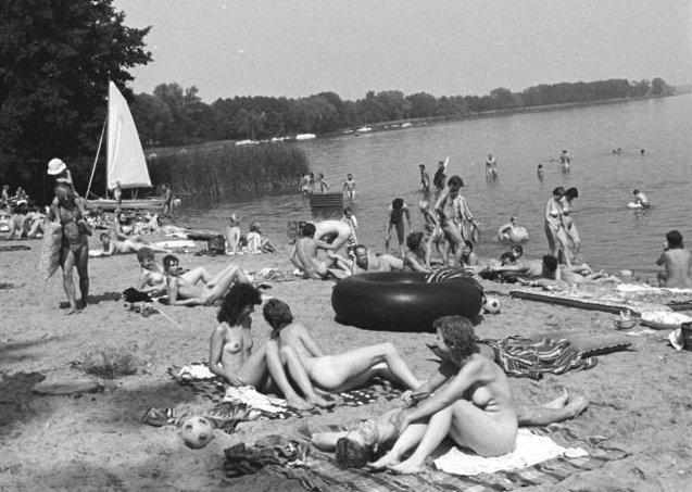 Bildergebnis für DDR Nacktbaden