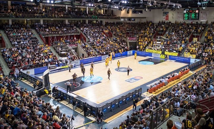 party mhp riesen ludwigsburg vs giessen 46ers mhp. Black Bedroom Furniture Sets. Home Design Ideas
