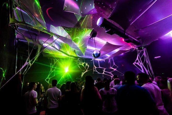 party tanz in den mai live bands djs burger suite neustadt in neustadt an der. Black Bedroom Furniture Sets. Home Design Ideas