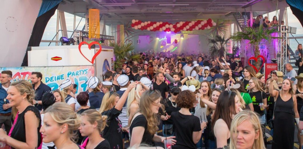 Single party friedrichshafen